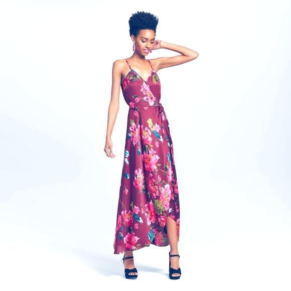 Xhilaration Dresses & Skirts - Fashion Wome Juniors  Satin V-Neck  Floral  Dress